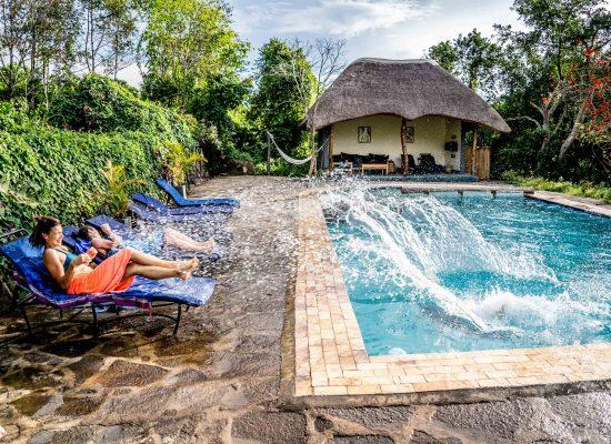 reisstijl mid-range lodge met zwembad
